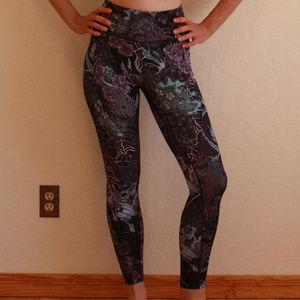 Lululemon RARE floral/dragon print run legging